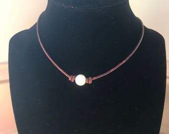 Single Freshwater Pearl Necklace on Antique leather