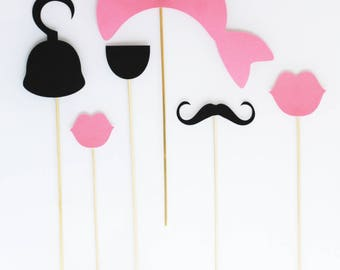 6 Photobooth accessories birthday Princess pirate - black and pink
