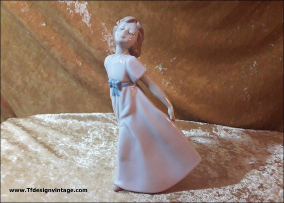 Girl figure of NADAL STUDIO Shine collection, Limited edition of 1998, Girl figure of Nadal Studio, Figure of Girl dancing, 20 cm