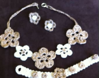 Set necklace earrings and bracelet crocheted