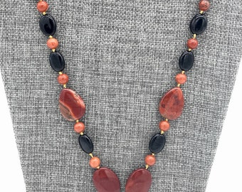 Lovely rusty dragon's vein agate necklace