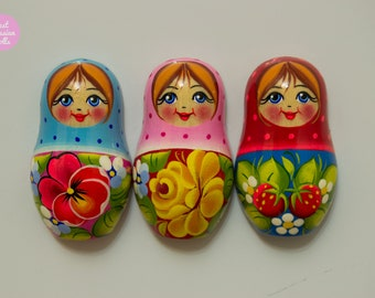 Wooden hand painted fridge magnets in russian doll style, Cute gift, kitchen / office / chalkboard decor.