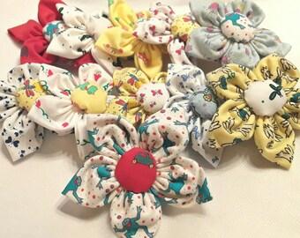 Naj-oleari vintage fabric flower pin