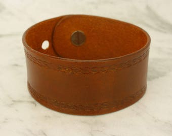 Brown Leather Cuff, Leather Wristband, Brown Leather Bracelet, Gift for him, Gift for her, Minimalistic Cuff, Handmade Wristband