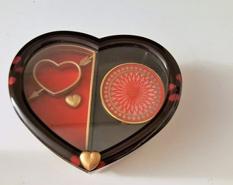 Plastic Heart Shaped Music Box with Spinning Accent on the inside