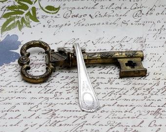Key Ring Handcrafted Vintage Spoon Handle Oneida Community Louis XVI Upcycled Silverware Flatware 1910s