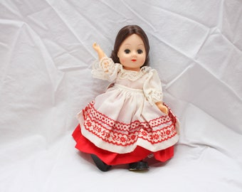 Vintage Dolls of All Nations, Russia