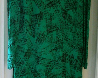 Dress with green and black graphic print T36
