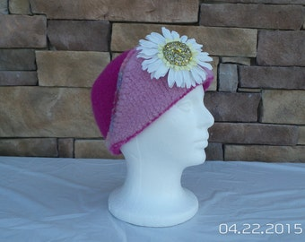 Felted hat with flower