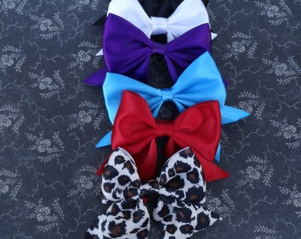 Bow with tails