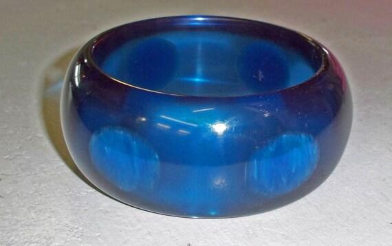Bakelite Rare Azure Blue Prystal Dot Bracelet - Contemporary Artisan Bakelite Utilizing Vintage Materials