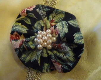 Dark Floral Hairclip with pink pearl cluster in centre