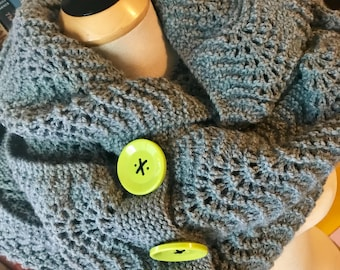 Fan and Feather Grey Extra Large Mega Cowl with Green Buttons