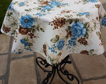 Rose Bouquet Print Round Tablecloth
