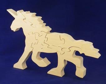 Unicorn decorative object: Linden wood