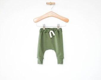 baby girl harem pants, moss baby leggings, sarouel pants, toddler harem pants, gender neutral baby clothes, newborn baby, baby shower gift