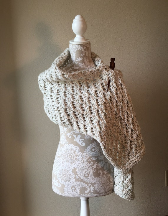 Lace Shawl - a loom knit pattern from DaynaScolesDesigns on Etsy Studio