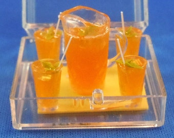 Dollhouse Miniature Food and Drink; Pitcher of Lemonade and 4 glasses in twelfth scale; 1:12 scale.  Item #D183.