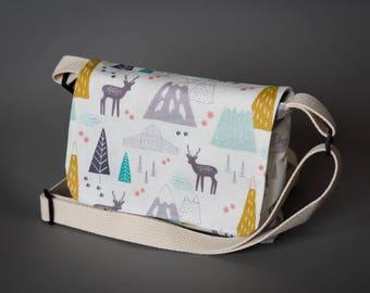 Mini Messenger bag, Small Messenger Bag, Cross body bag, Shoulder bag, Small Bag, Cell Phone bag, Mountains, Small Purse, Wanderlust, Purse