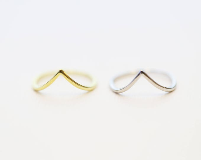 Chevron V Stacking Rings // Dainty Rings // Simple silver ring // Stackable rings in sterling silver //