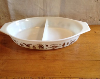 Pyrex EARLY AMERICAN Divided Casserole DISH. Thanksgiving Accessory. 1 1/2 Quart.  Wonderful Condition. White Glass and Brown Accent