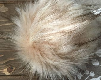 Faux fur pom pom - Cinnamon Sugar
