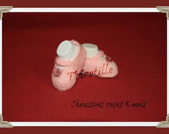 Slippers straps decorated with a pink (0-3 months)