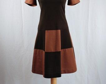 Vintage 1960s Brown Mod Knee Length Shift Dress