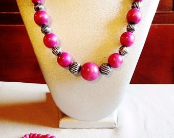 Pink wood necklace ,bracelet  and earring set ! ON SALE!