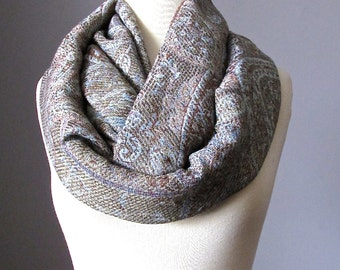 Gray Infinity scarf with large paisley design, Pashmina scarf, Chunky scarf, Winter scarf, Christmas Gift idea, Gift for Mom, Gift for Her