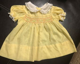Vintage Kids 70s? Girl's Yellow Smocked Easter dress Peter Pan lace collar 6 months?