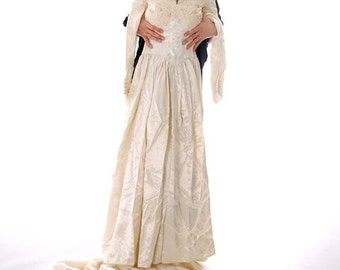 Vintage 1940s Satin Wedding Gown For Display or Costume Miriam S