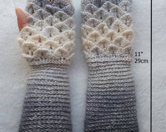 Crochet Dragon Scale Fingerless Gloves / Wrist warmers / texting gloves / ready to ship