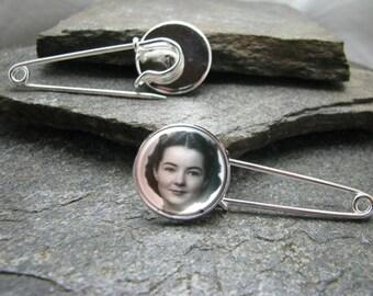 Boutonniere pin, boutinniere pin, Lapel Pin, Custom Lapel Pin, Garter pin, Boutonniere Charm, boutinniere Charm,