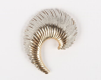 """1950's-70's Modern Gold and Silver Tone Feather Brooch, Excellent Cond., 2-1/8"""" X 1-3/4"""" W, Roll Over Clasp."""