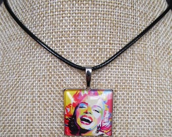 necklace with square pendant marylin monroe