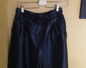 90s Black Leather Shorts High Waisted Medium M