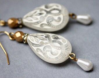 Teardrop Earrings Teardrop Rhinestone Pearl Earrings White Beaded Earrings Bohemian Jewelry Boho Earrings Bridal Earring White Jewelry