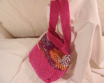 French Market Bag/tote, 100% cotton yarn. Pink with burgundy and gold.
