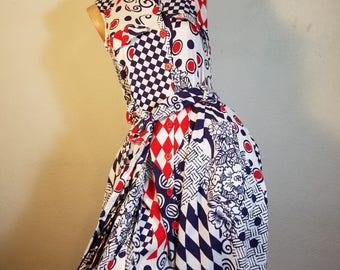 FREE  SHIPPING     1960 Mod  geometric  Dress