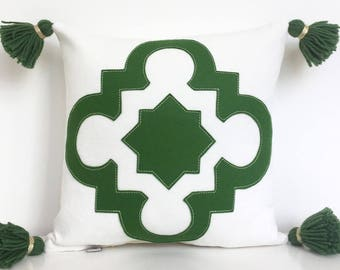 """Quatrefoil Pillow in Moss Green Wool Felt on Creamy White Cotton Twill with Handmade Tassels, Small 14"""" square"""