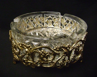 Large Ashtray, Trinket dish, Hollywood Regency, gold filigree