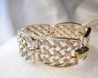 Sarah Coventry 1960 Bracelet Called Cosmopolitan in Gold Tone