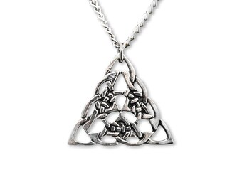Celtic Knot Silver Finish Pewter Pendant Necklace NK-297