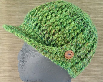 Hat in crochet with wooden buttons - Crocheted hat with visor with wooden buttons green - Handmade hats-Wool beanies-Knitted hats -