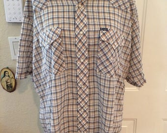 Vintage mens 1980's Wrangler pearl snap buttons, pearl button up. Size XL