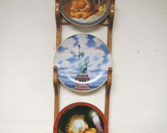 wood 3 plate wall display rack, oak plate holder , 3 tier plate display , medium oak finish