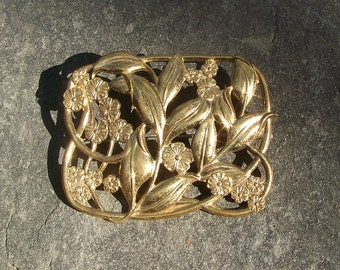 Large VINTAGE Brass Pin Brooch With Forget Me Nots   D12