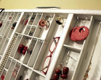 Neutral White Jewelry Storage Hanging
