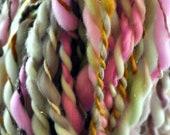 Handspun Yarn, Bulky, Thick n thin, Soft, Wool, Wall hanging, Knitting, Weaving, Scarf Yarn, Yospun, Fiber Arts